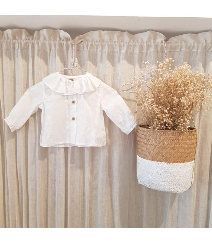 Blusa Unisex Baby Bordada Blanca Colección Countryside de Mia y Lia, Invierno 2021